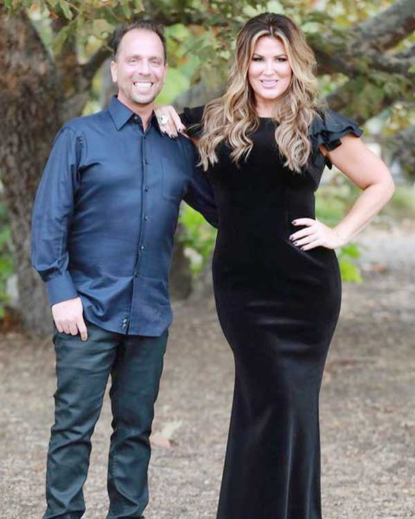 Emily Simpson rhoc still married to Shane